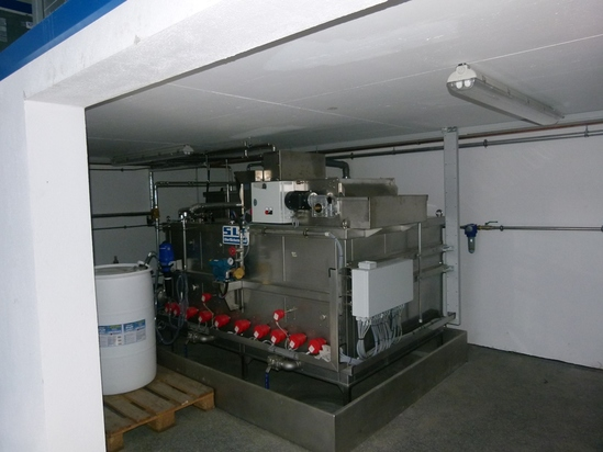 Compact process water treatment unit design at customer's site
