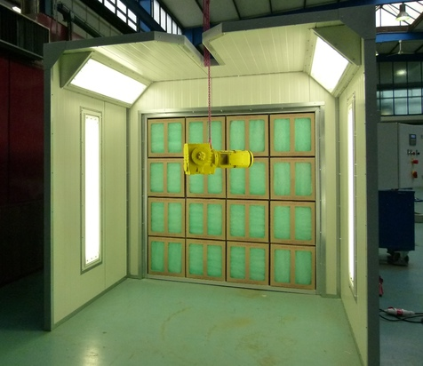 Spray wall with carton filter and crane slot